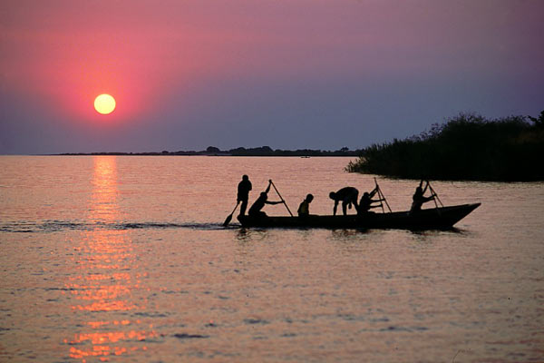 tanganyika-zambia-fishermen-worldtraveller-attribution-share-alike