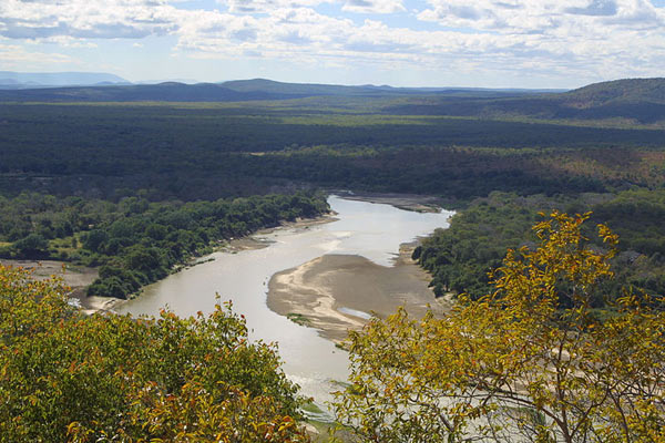 zambia-luangwa-river-paul-maritz-attribution-share-alike